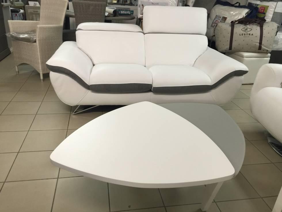 canap et fauteuil relax italien en cuir blanc et gris bandol 83150 var meubles et literie. Black Bedroom Furniture Sets. Home Design Ideas